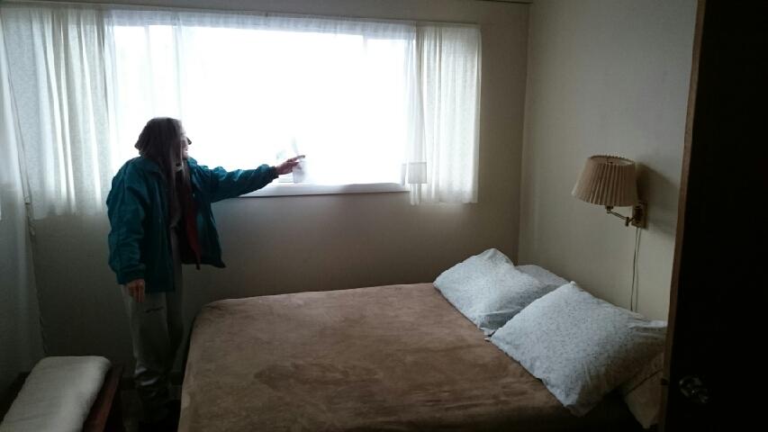 Beach House bedroom (south), Falcon Cove, Oregon